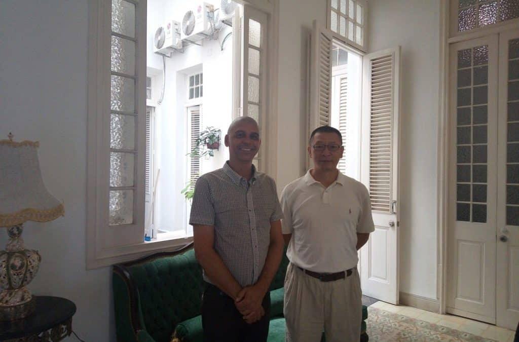Liu Yue. Merci à M. Yue d'avoir partagé les coutumes et les traditions de sa culture.