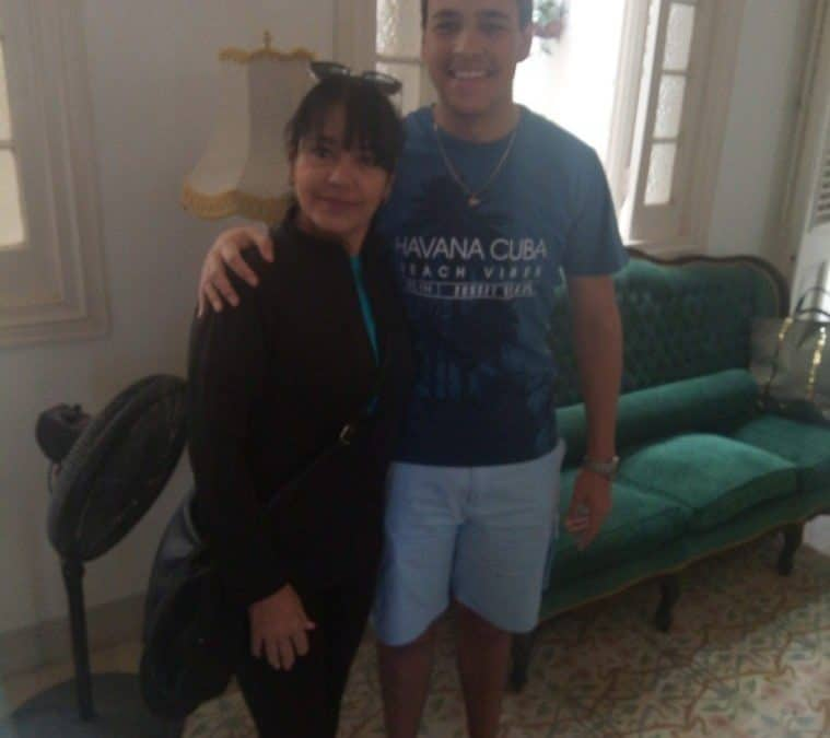 La familia Casal. Orgullosos de poder atenderlos, de que nos hubiesen seleccionado para su breve estancia en la Habana.